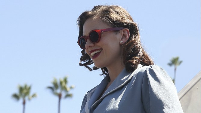 "Peggy Carter of ABC's ""Agent Carter"" happily arriving in her new home, Los Angeles. (Disney ABC Press Room)"