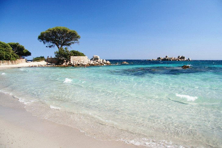 Top-10-most-beautiful-beaches-that-you-probably-have-never-seen04