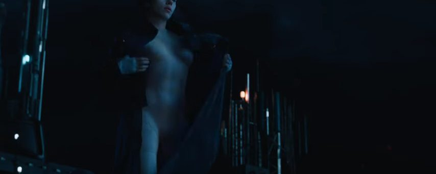 """Scarlett Johansson Is Looking Good In """"Ghost in the Shell"""" Trailers"""